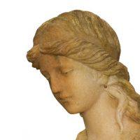 Kopf einer Steinengelfigur
