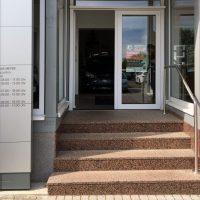 Steinmetzbetrieb Kaufmann Treppe Außenbereich